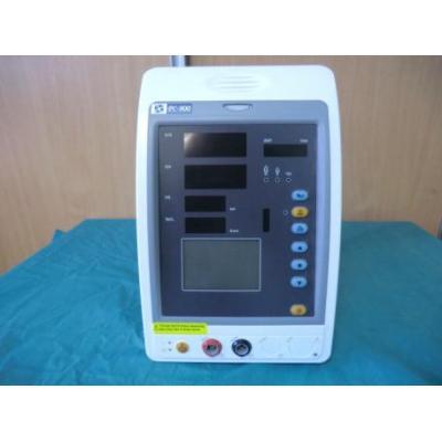 Monitor parametrów pacjenta PC-900