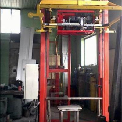 Maszyna pakująca  taśmą pp/pe na palecie EURO