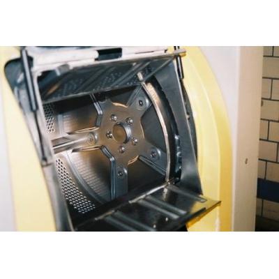 Pralnicowirówka z barierą higieny Electrolux Fleh