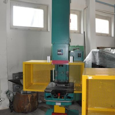 Pneumo-hydraulic press TOX PRESSOTECHNIK PC 015.09