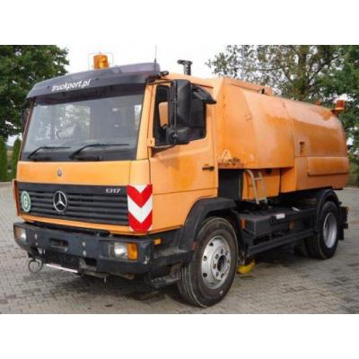 Mercedes-Benz 1317 4x2 EURO0 Kehrmaschine Johnston