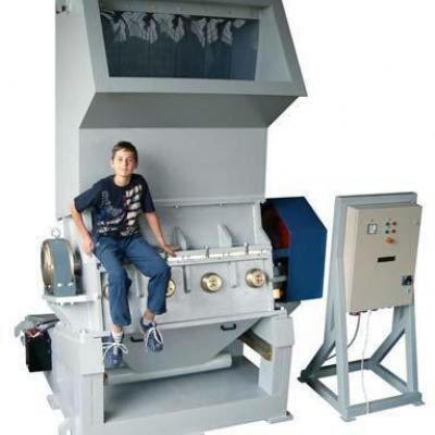 Młyn do tworzyw sztuczych marki Vespa 75 kW