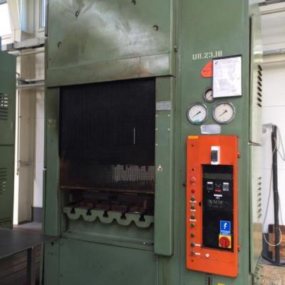 Prasa do wulkanizacji gumy - PHM 250