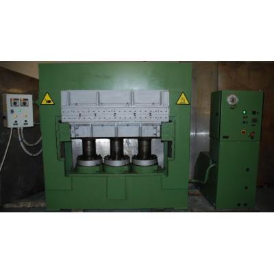Prasa hydrauliczna o nacisku 246 Ton - 32 kg/cm2