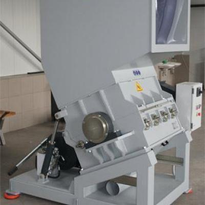 Młyn do tworzyw sztuczych marki Vespa 45 kW