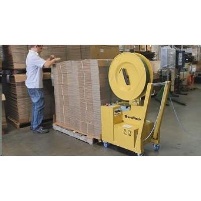 Maszyna spinająca produkty na paletach