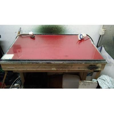 stół podświetlany montażowy