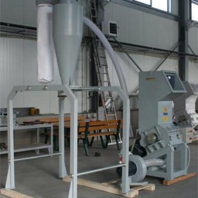 Młyn do tworzyw sztuczych marki Vespa 11 kW