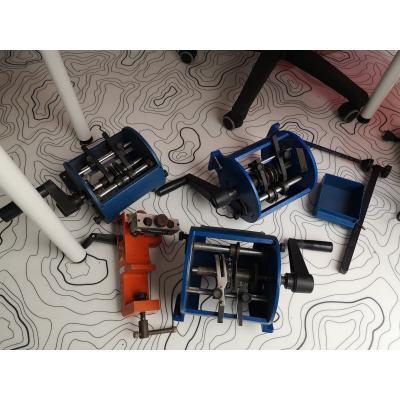 Zestaw urządzeń do docinania elementów taśmowanych
