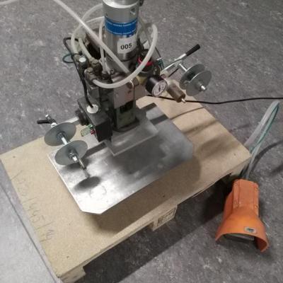 Kolumna pneumatyczna do Hot-stamping-u