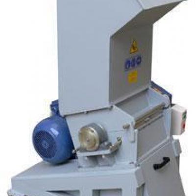 Młyn do tworzyw sztuczych marki Vespa 5,5 kW
